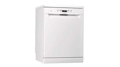 Ariston 60cm Freestanding Dishwasher In White - LFO3C22AUS-T1 (Factory Seconds)