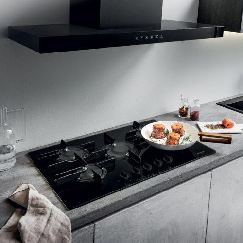PKQ755DGH(K)AUS - Ariston 75cm Black Glass Direct Flame Gas Cooktop - Lifestyle